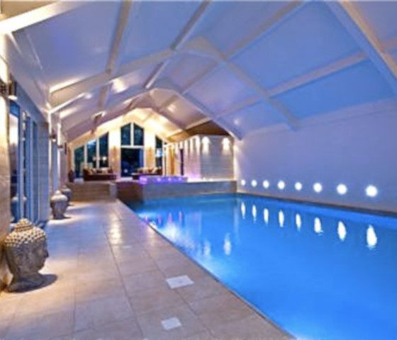 portfolio-liverpool-control4-in-woolton-hill-0-swimming-pool-lighting